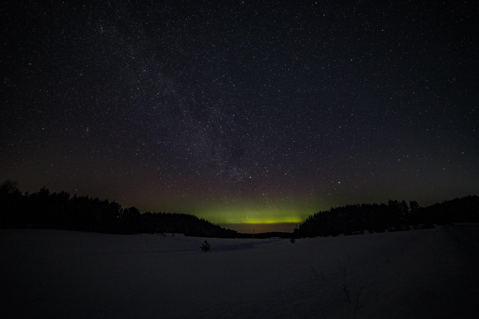 Самые красивые места Ленобласти для наблюдения Северного сияния.